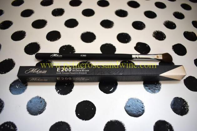 MikasaE200AngledShadowBrush Mikasa Beauty Brushes:: Complete Eye Set & Lemon Drop Review MAKEUP
