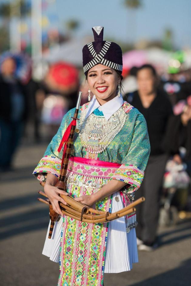 IMG_0032-684x1024 Hmong Outfits Series :: Paj Ntaub Cog Ci Hmong Outfit Series OUTFITS