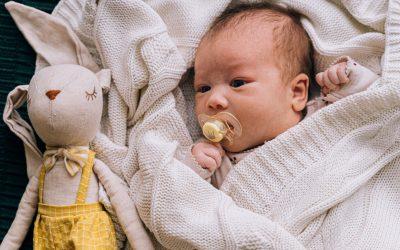 La tétine pour nos bébés, pour ou contre ?
