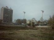 Поглед на югозапад към бившия Партиен дом и Военния клуб