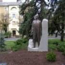Esterházy János szobra