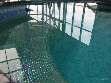 Una dintre piscinele din zona Elysium.