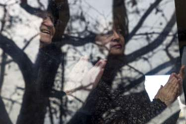 Mii de persoane asteapta pentru a putea aduce un ultim omagiu Regelui Mihai I al Romaniei, in cea de a doua zi de doliu national, in Bucuresti, Sambata, 16 Decembrie 2017. Inquam Photos / Liviu Florin Albei