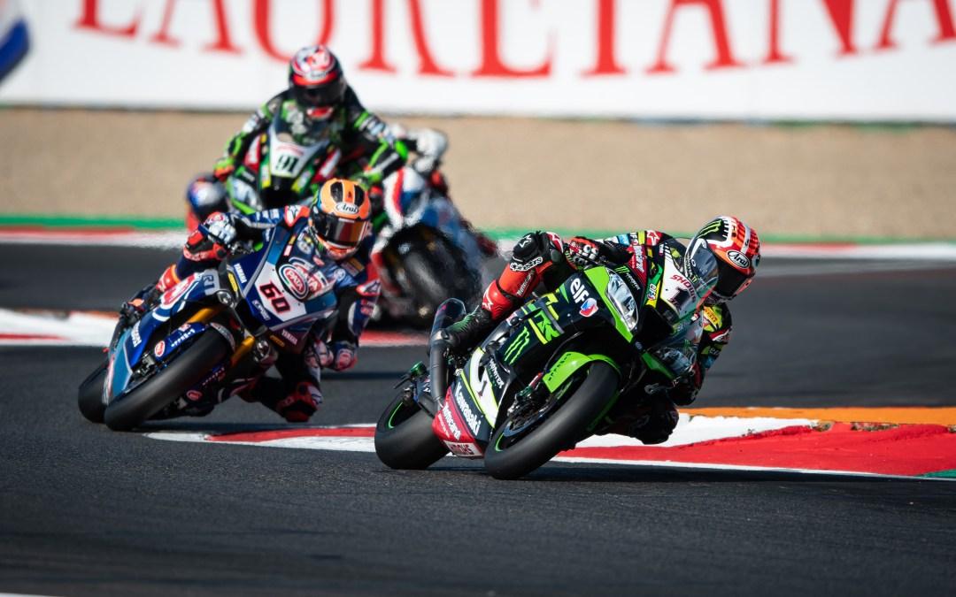 SBK, Losail: Rea si impone in gara 1, Kawasaki si porta a casa la tripletta