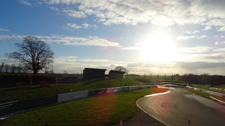 Mallory Park Race Circuit - Petrolheads Welcome
