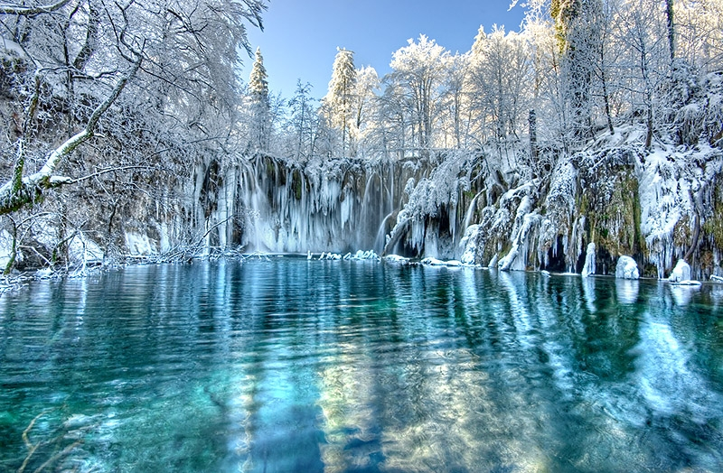 https://i1.wp.com/www.petrotimes.vn/stores/news_dataimages/hoangthang/122012/20/14/vuon_quoc_gia_Plitvice_7.jpg