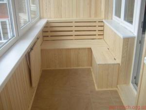 раскладной стол на балконе