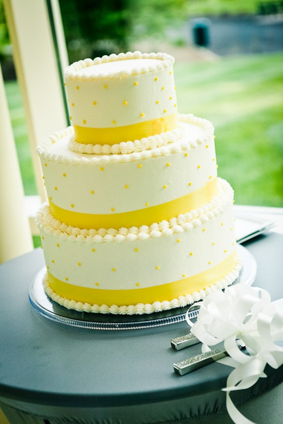 wedding cake  at the Newton White Mansion in Mitchellville MD