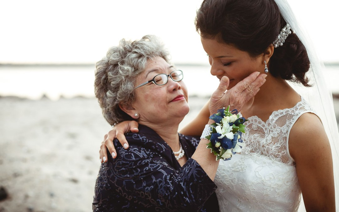 How to Plan a Wedding With a Challenging Parent