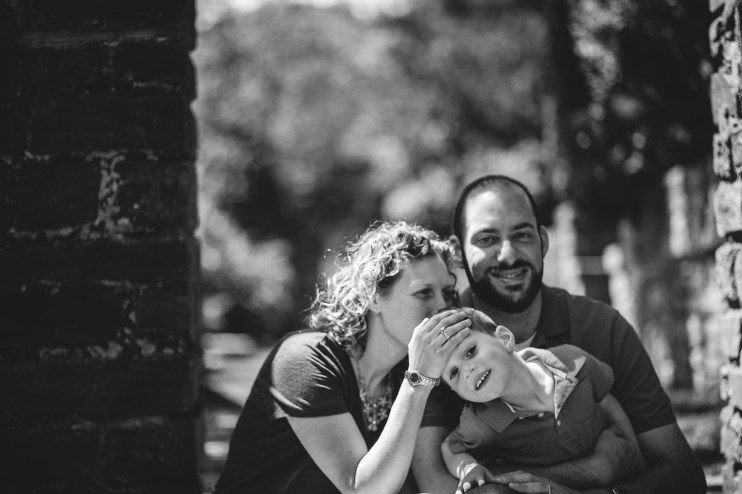 family portraits by petruzzo photography at the glenview mansion 10