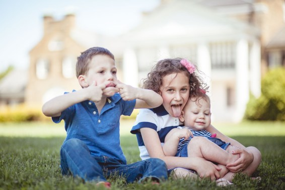 family portraits by petruzzo photography at the glenview mansion 13