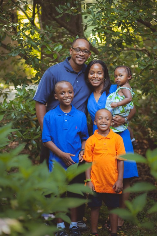 family portraits at mccrillis gardens petruzzo photography 18