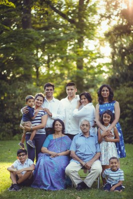 mccrillis gardens maryland family reunion portraits petruzzo photography 19