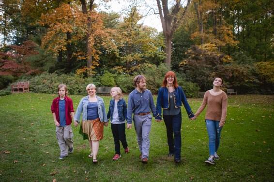 petruzzo-photography-big-family-in-bethesda-maryland-mccrillis-gardens-10