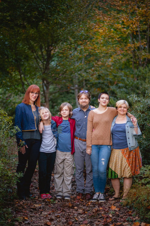 petruzzo-photography-big-family-in-bethesda-maryland-mccrillis-gardens-15
