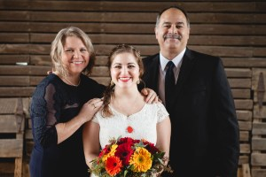 Bright Wedding On a Dreary Day at Linganor Wines 09