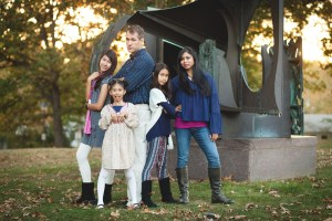 Family at the glenview mansion with felipe sanchez petruzzo photography 07