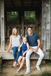 A Multi-Family Portrait Session at Irvine Nature Center in Owings Mills 33
