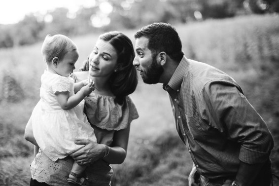 A Multi-Family Portrait Session at Irvine Nature Center in Owings Mills 39