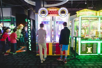 A Bar Mitzvah at Dave and Busters Petruzzo Photography Felipe Sanchez 28
