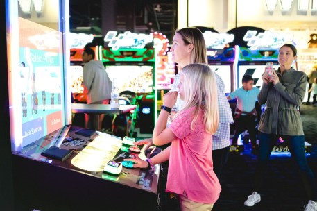 A Bar Mitzvah at Dave and Busters Petruzzo Photography Felipe Sanchez 34