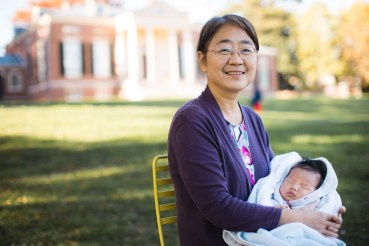 Meeting the Newborn on the Johns Hopkins Campus in Baltimore 05