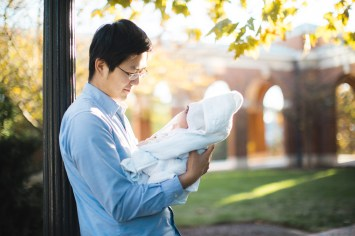 Meeting the Newborn on the Johns Hopkins Campus in Baltimore 19