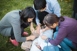 Meeting the Newborn on the Johns Hopkins Campus in Baltimore 27