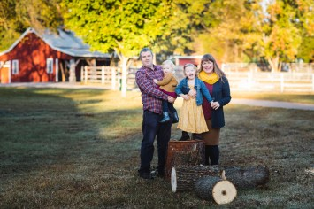 A Colorful Two-Part Autumn Family Session from Felipe 07