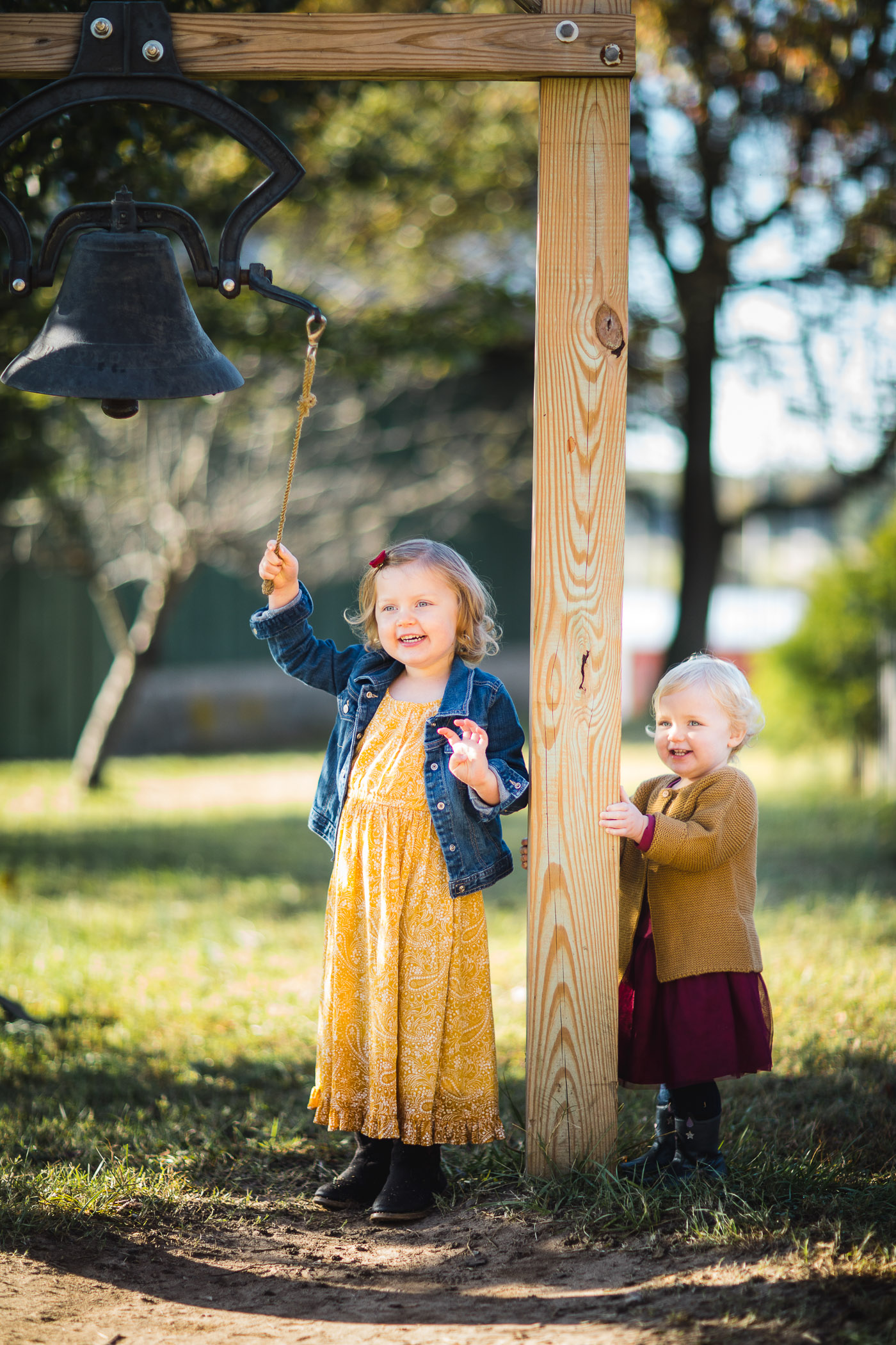 A Colorful Two-Part Autumn Family Session from Felipe 19