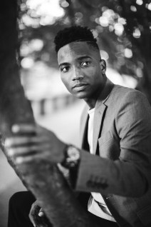 A Meandering Senior Portrait Session on the Streets of Downtown DC 20
