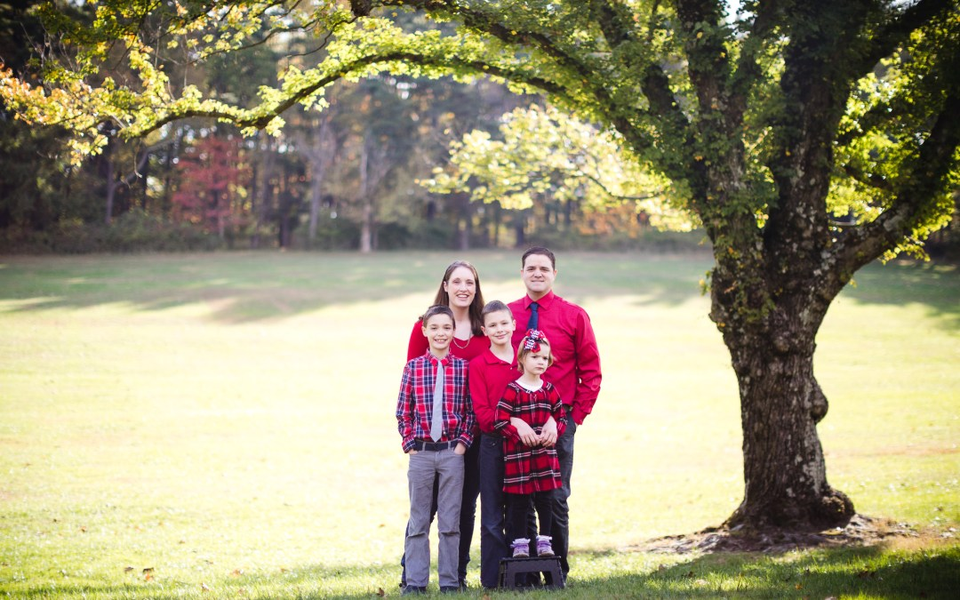 A Colorful October Family Portrait Session from Felipe