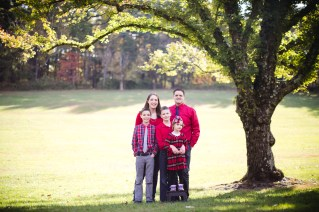 A Colorful October Family Portrait Session from Felipe 16