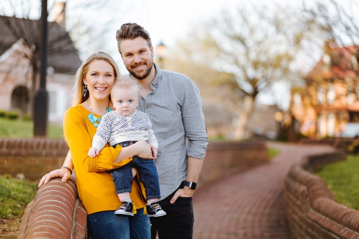 Sunset Family Portraits with Greg on the Streets of Downtown Annapolis 03