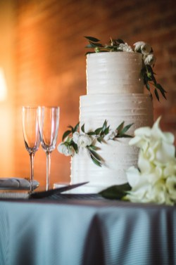 An Intimate September Wedding at The Loft at 600F & The National Portrait Gallery 75