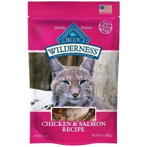Blue Buffalo Wilderness Chicken & Salmon Grain-Free Cat Treats, 2-oz Bag.
