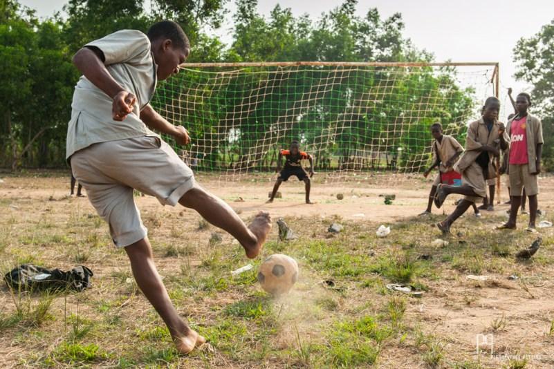 Séance de tirs au but à la fin des cours. // Sékou - 2014