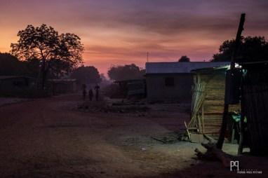 Fin de journée poussiéreuse aux confins nord du Bénin. // Banikoara - 2017