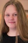 Das Foto zeigt ein Portrait von Carina Kröger
