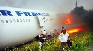 Airbus A340 d'Air France sorti de piste à Toronto le 02/08/2005. Aucun mort parmi les 309 passagers. Miracle ou cas classique ?