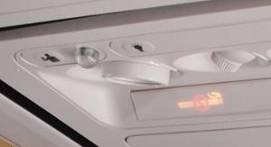 Chaque passager dispose d'un éclairage individuel, d'un système d'aération et d'un bouton pour appeler les PNC...