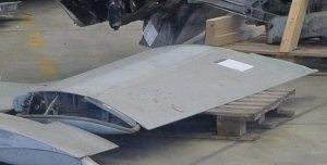 Voilà les dommages sur un flaperon du MH17 après une chute de plus de 10.000m... La destruction de la boite noire prouve que le choc a été bien plus violent.