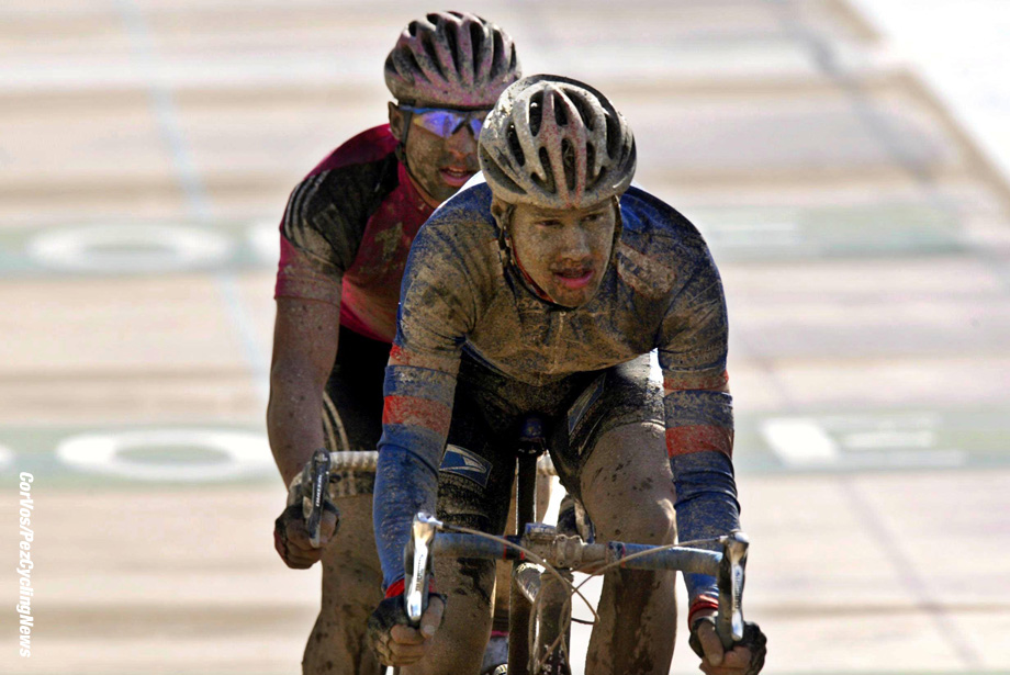 De honderdste editie van Parijs-Roubaix, 14-4-2002 foto Cor Vos ©2002 Tom Boonen en Wilfried Wesemann