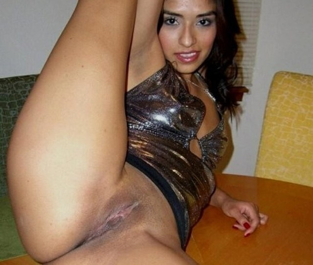Sexy Arab Girl Naked Selfie And Fingering