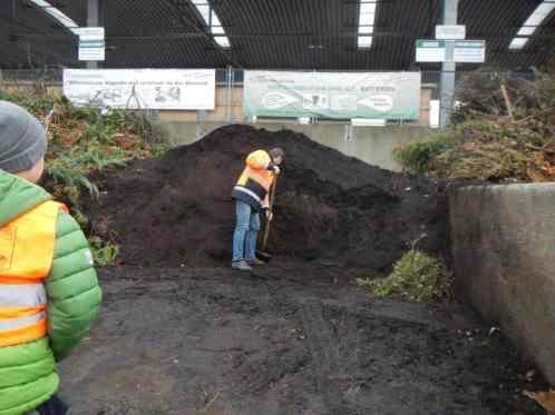 Humus aus der Kompostieranlage