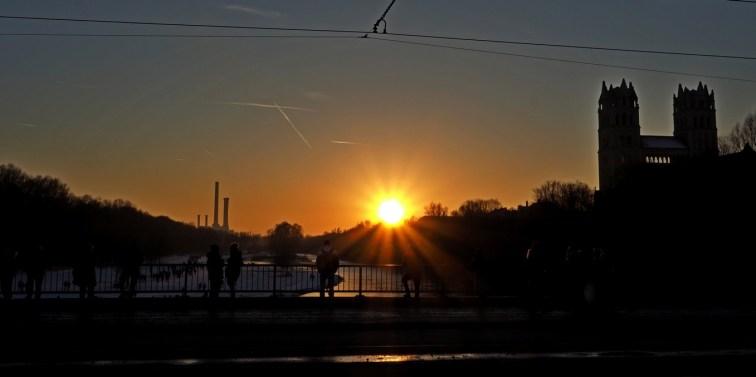 Sonnenuntergang in München an der Reichenbachbrücke