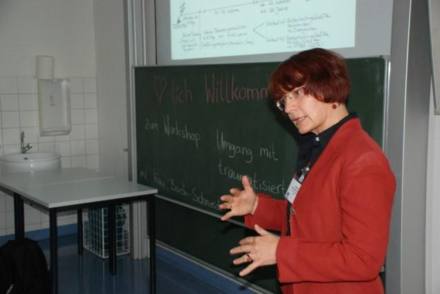 Forum 8 Frau Bach-Schneider