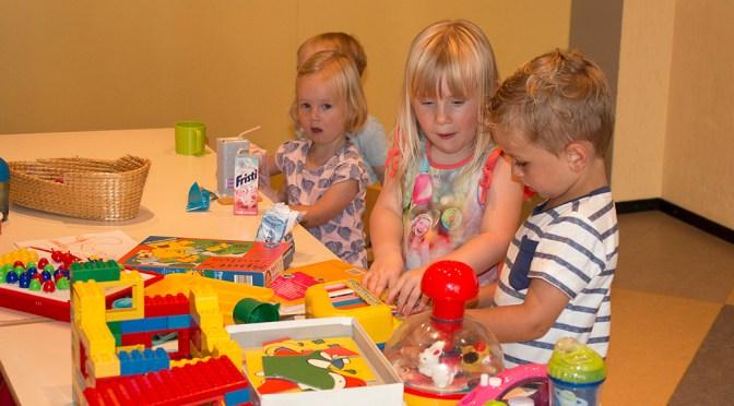 Projectlied kindernevendienst