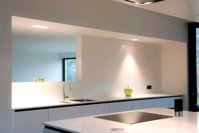 Pglas - glazen spatwand pure white extra klaar RAL 9003 001
