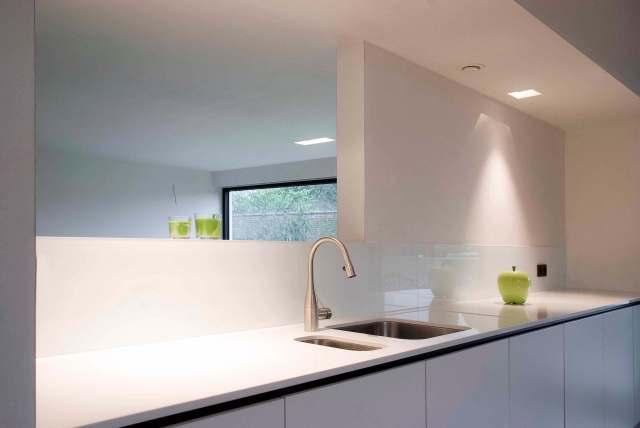 Pglas - glazen spatwand pure white extra klaar RAL 9003 003